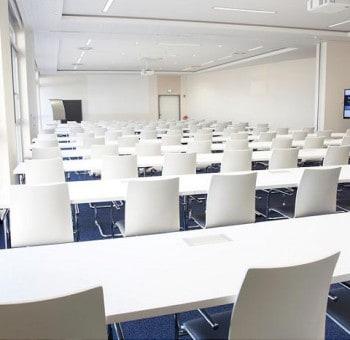 Konferenzraum-W700