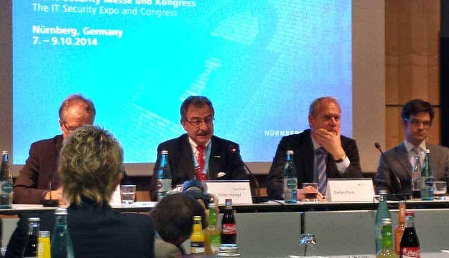 """Prof. Dieter Kempf (Präsident der BITKOM): """"Es besteht Einigkeit, dass wir eine Meldepflicht für Angriffe brauchen - unklar ist wer, was melden muss."""" auf der Eröffnungs-Pressekonferenz der IT.SA"""