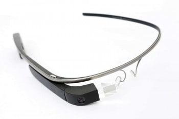 """""""Google Glass Main"""" von Tim.Reckmann - Eigenes Werk. Lizenziert unter Creative Commons"""