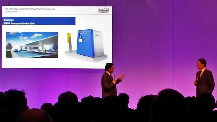Spannender Vortrag von Jens Bohlen zu Banking 2020: Wincor-Nixdorf will nicht nur Geldabheben am ATM in 13 Sek. per NFC-Smartphone ermöglichen, sondern stellt auch Bankservices per Video-Teller-ATM (z.B. an Tankstellen) vor.