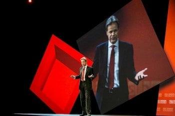Gottfried Leibrandt, SWIFT-Vorstandsvorsitzender, bei seiner Einführungsansprache SWIFT