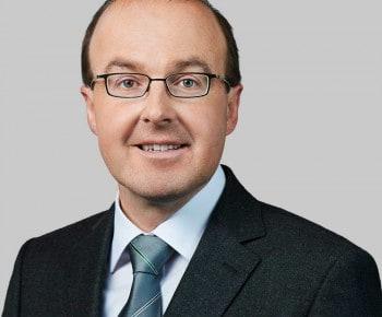 Armin Suter (Leiter Finanzen) wechselt zur Helvetia Schweiz.