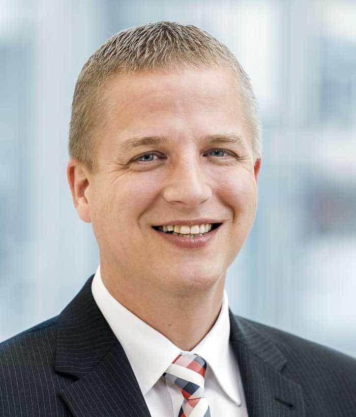 <b>Sven-Oliver</b> Leich, stellvertretender Direktor des Bereichs Organisation in ... - FI-BI-PT-LzO-Sven_Oliver_Leich-W700-2