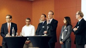 Podiumsdiskussion 2014: Dr. Michael Salmony, Equens SE; André M. Bajorat, figo GmbH; Jörg Benischke, Deutsche Bank AG; Prof. Dr. Hans-Gert Penzel, ibi research; Anna Voronina, quirin bank AG; Martin Kölsch, Fidor Bank AG (von links)  ibi research
