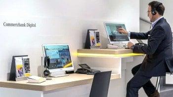 Flagship Berlin -Die digitale Arbeitsplätze stehen für Kunden zur Verfügungcommerzbank