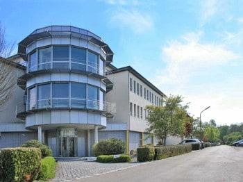 Das Firmengebäude der Sofort AG in Gauting bei MünchenSofort AG Fußbergstraße 1 82131 Gauting