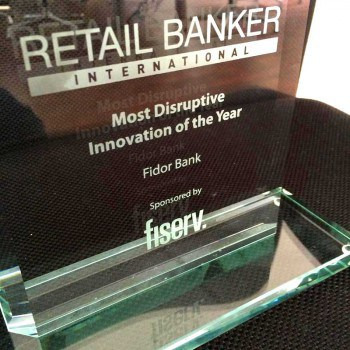 "Parallel erhielt die Fidor Bank den ""Most Disruptive Innovation of the Year""-Award von Retail Banker International.Fidor"
