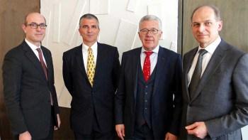 Auf dem Bild (v.l.n.r): Professor Michael Ilg (Vorsitzender DSV-Gruppe), Dietmar Dengler (GiroSolution), Hermann Stengele (Vorstand GiroSolution), Wilhelm Gans (DSV-Gruppe) DSV