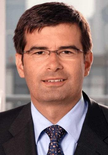 COO Frank AnnuscheitCommerzbank
