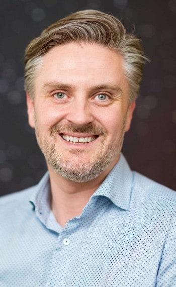 Daniel DöderleinAuka