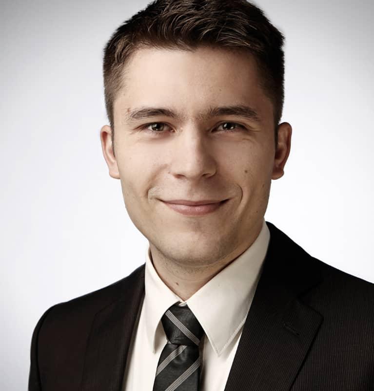 Dr. Andrej Fischer