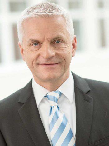 Christian Schreyer, Berater und Projektleiter bei NTT Data<q<NTT Data