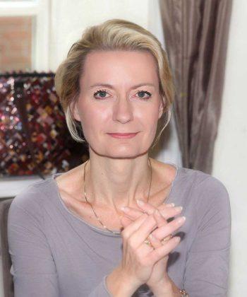 Gabriela Friedrich, BankerflüsterinGabriela Friedrich