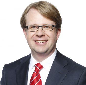 Dr. Hochberger - Vorstandsmitglied der Stadtsparkasse München - und der Kopf hinter Yomo.Stadtsparkasse München