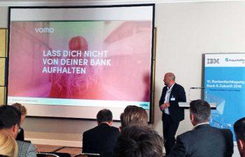 Bernd Wittkamp bei der Vorstellung von Yomo bei der Bank&Zukunft im Oktober 2016