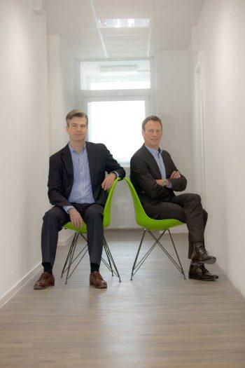 Dr. Niklas Bartelt (links), verantwortlich für Produkt und Markt und Dr. Helmut Wißmann (rechts), verantwortlich für IT und Operationspaydirekt