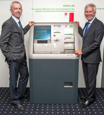 Keba-Vorstand Technik Ing. Franz Höller (links) und Gerhard Luftensteiner, Vorstandsvorsitzender<q>Keba</q>
