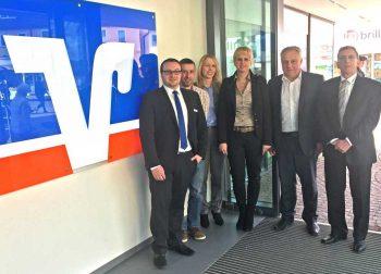 Das Projekt-Team von links: Domenik Leubner und Holger Brecht (Volksbank Kirchheim-Nürtingen), Doris Juwara (exapture), Claudia Lubig (Lexmark), Volker Fügel und Frank Waldhauser (Kappel & Dierolf)<q>Lexmark</q>