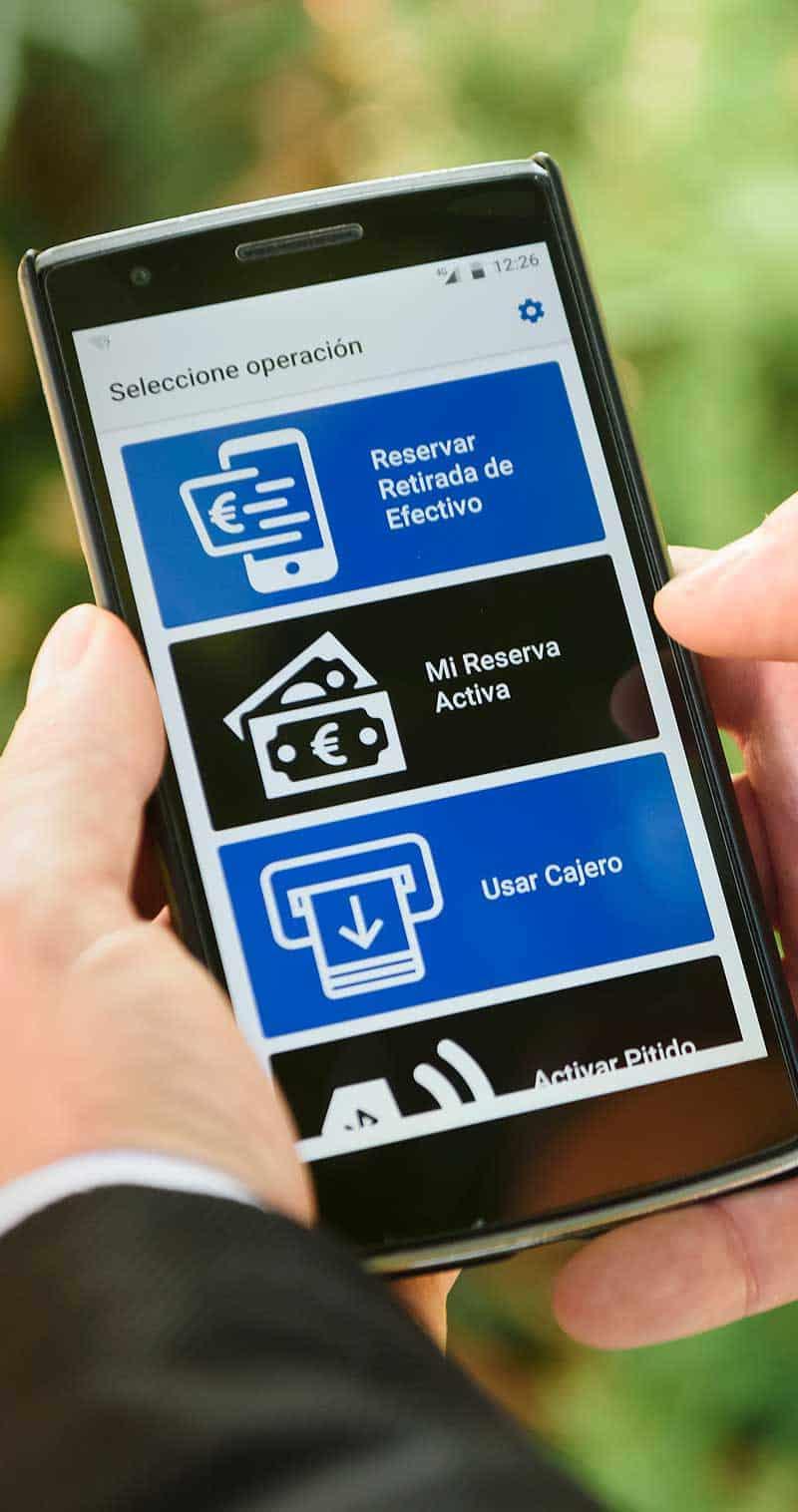 Smartphone App für Sehbehinderte: Große Schrift, klare Konturen, einfache Bedienung<q>BBVA</q>
