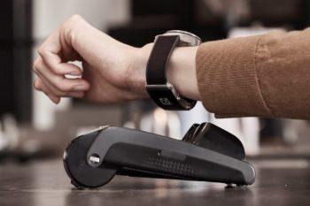 Auf Basis der Entwicklungsplattform mWallet 2GO hat Montblanc eine Armbanduhr mit eigener Wallet ausgestattet.