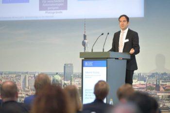 Albrecht Wallraf vom Bundesverband deutscher Banken e.V. berichtete über die ersten Erfahrungen aus dem girocard TOPP Pilotprojekt.