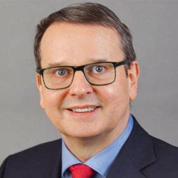 Professor Dr. Jürgen Bott, Hochschule Kaiserslautern - bewertet die IT in der Versicherungswirtschaft