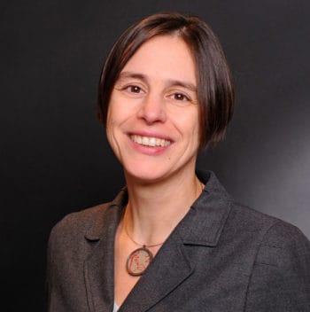 Britta Spangenberg, Rechtsanwältin bewertet für IT Finanzmagazin das Bafin-Cloud-Merkblatt
