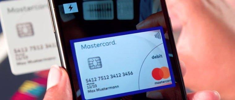 Personalisierung von SwatchPay: Das Einlesen der Kreditkarte per App