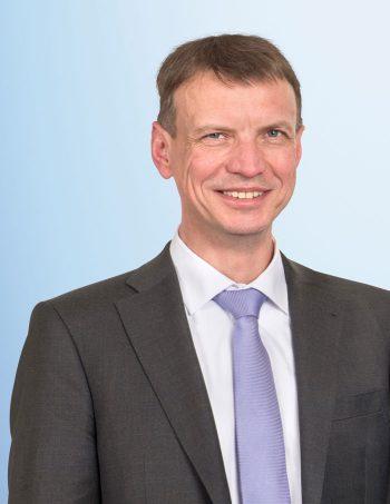 Dr. Jochen Möller zu Georg Büttner