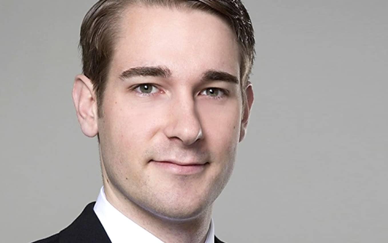 Lukas Schmidt ist im Corporate Debt Origination,Landesbank Baden-Württemberg