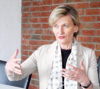 Dr. Edeltraud Leibrock, Geschäftsführerin und Partnerin Connected Innovations - schildert die Probleme der Banken