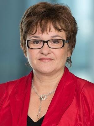 Die deutsche Juristin Sabine Lautenschläger ist seit 2014 Mitglied des Direktoriums der Europäischen Zentralbank (EZB) und stellvertretende Vorsitzende der EZB-Bankenaufsicht.<q>EZB