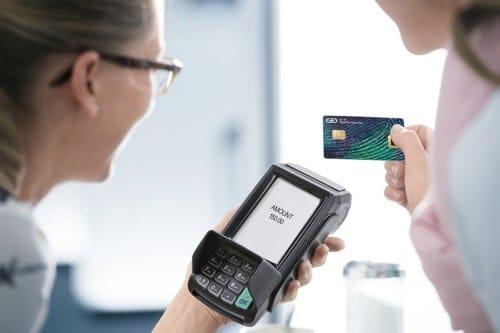 Die biometrische Bezahlkarte ermöglicht Bezahlen über 30€ durch CDCVM via Fingerabdruck