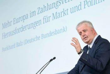 DK Info: Burkhard Balz (Mitglied des Vorstands der Deutschen Bundesbank) erläuterte Bedrohungsszenarien durch asiatische und amerikanische Unternehmen.