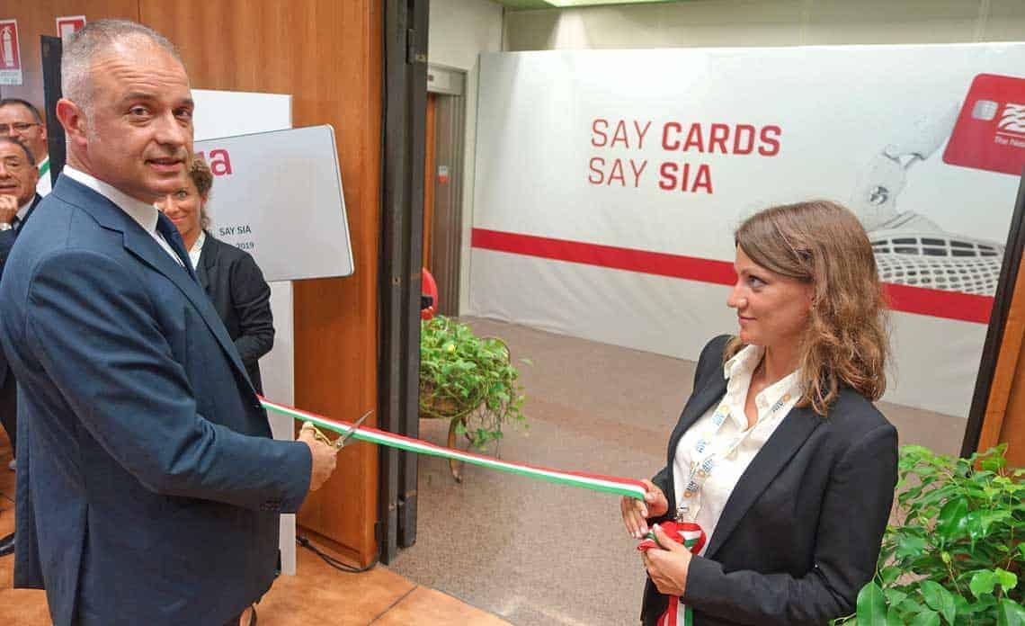 10 Millionen Karten pro Jahr: Eugenio Tornaghi eröffnet Zahlungskarten-Zentrum von SIA in Verona