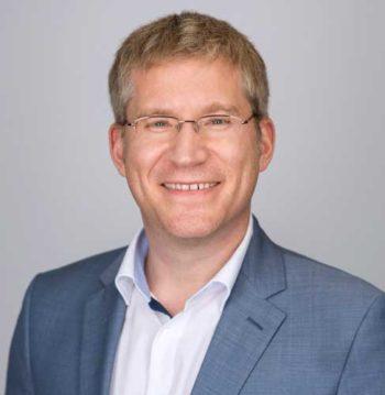 Kernbankensysteme als Cloud-Lösung? Gar nicht so eigenwillig ‑ Thomas Muth, Five Degrees im Interview