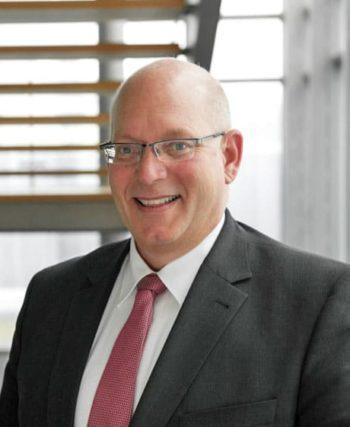 Stefan Riedel wechelt am 1.1.2020 in den Vorstand der adesso