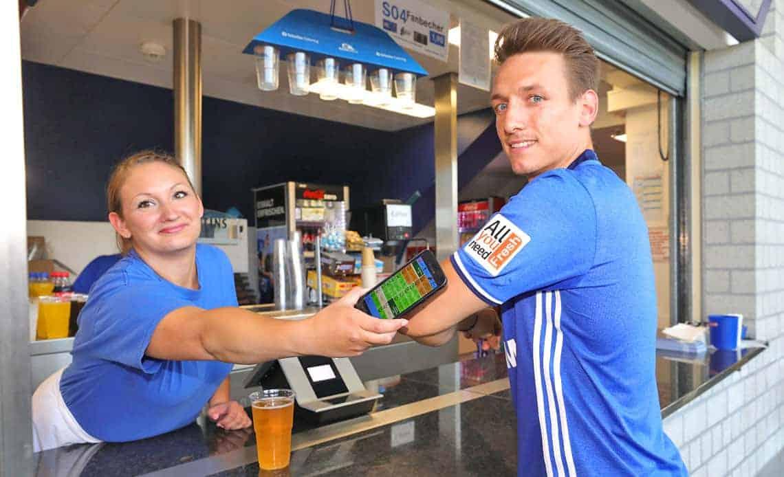 Per paydirekt aufladen und auf Schalke bezahlen