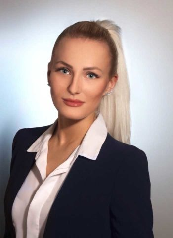 Ann-Kathrin Bendig, Consultant und Product Owner, adesso<q>adesso
