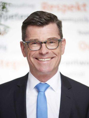 Banken müssen endlich Ihre Daten nutzen - Joachim Butterweck ist Senior Manager bei Cofinpro