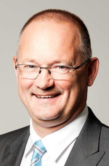 Digital Annealin Experte: Wilhelm Petersmann, Head of Financial Services Central and Eastern Europe, Managing Director Austria and Switzerland bei Fujitsu
