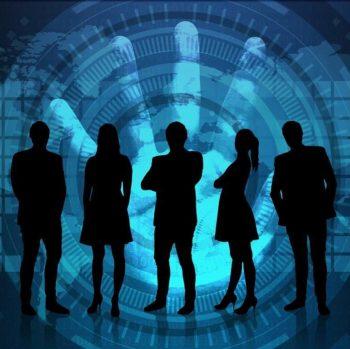 Versicherung und Prävention für kleine und mittlere Unternehmen vereint Cyberdirekt auf seiner Plattform. <q>Pete Linforth/Pixabay