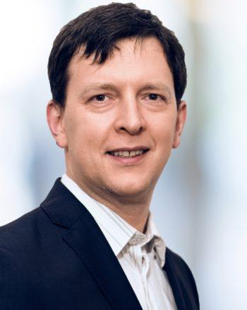 Dr. Nick Golovin ist der Gründer und CEO von Data Virtuality GmbH und Experte bei Business Intelligence