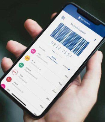 Per Bluescan-App wird der Barcode auf dem Kunden-Smartphone abgescant - damit ist dann bezahlt.