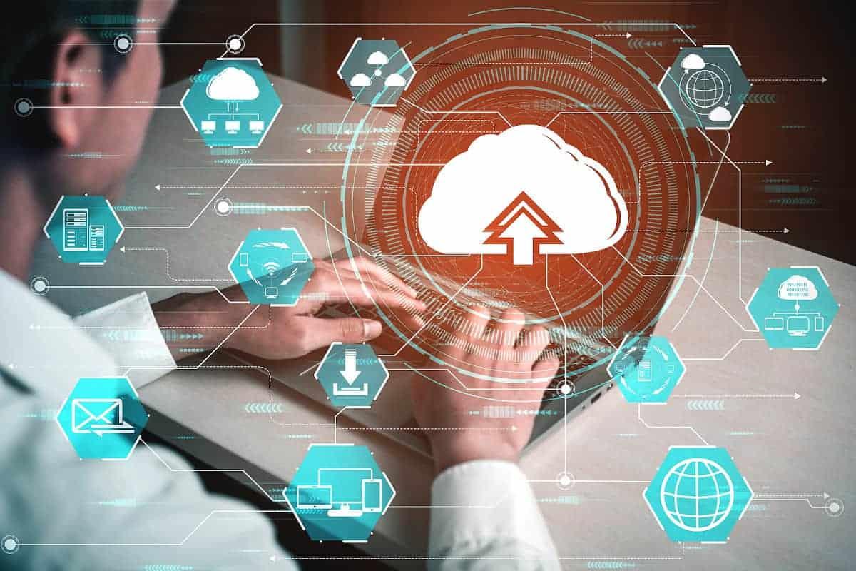 Multi-Cloud-Anwendungen treiben die Innovationen in der Finanzbranche voran. <q>World Image / Bigstockphoto