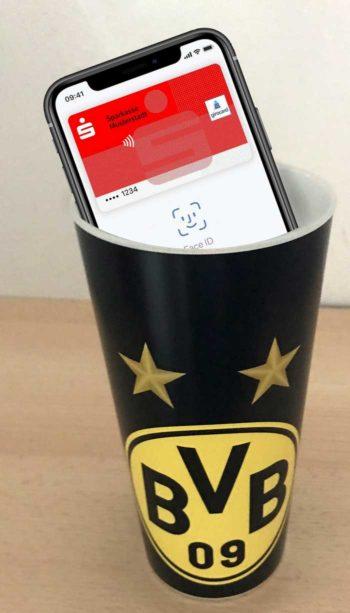 BVB Becher mit girocard zahlen und Pfand zurückbekommen? Dauert noch!