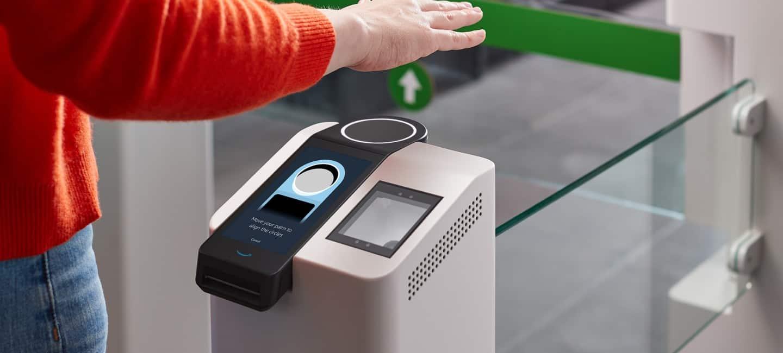 Einmal die Hand zeigen – und schon weiß das System, wer den Laden betritt oder von welcher Kreditkarte abgebucht werden soll. <q>Amazon