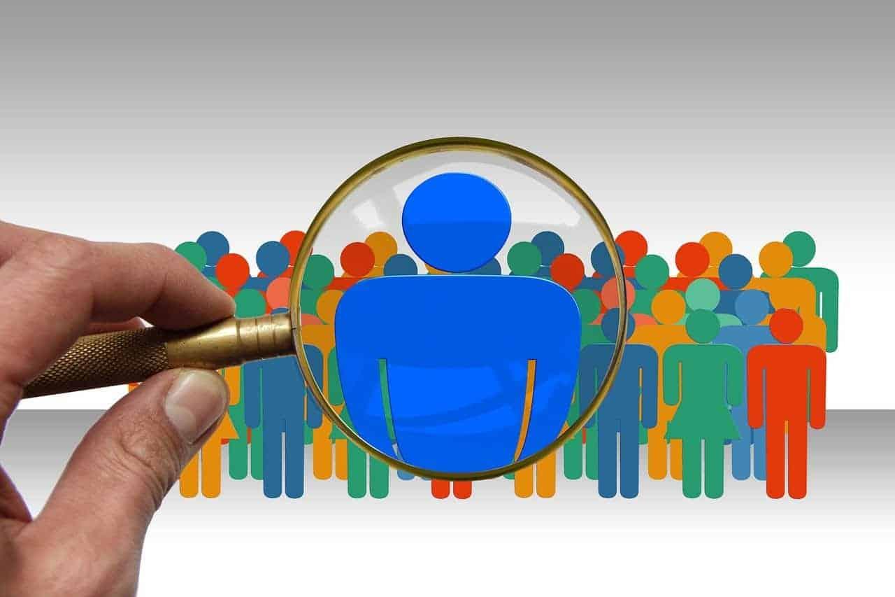 Die Gesundheitsprüfung für Risikolebens- und Berufsunfähigkeitsversicherungen werden künftig weniger häufig manuell bearbeitet – sondern häufiger von einer KI. <q>Gerd Altmann / Pixabay </q>
