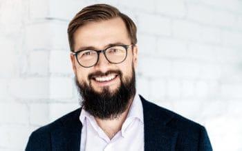 Marius Galdikas befasst sich lieber mit dem innovativen Einsatz von APIs als mit deren Entwicklung. <Q>Connectpay
