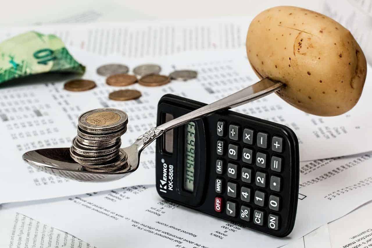 Digitales Haushaltsbuch statt analoger Haushaltskasse – den Versicherer würde es freuen. <Q>Steve Buissinne / Pixabay